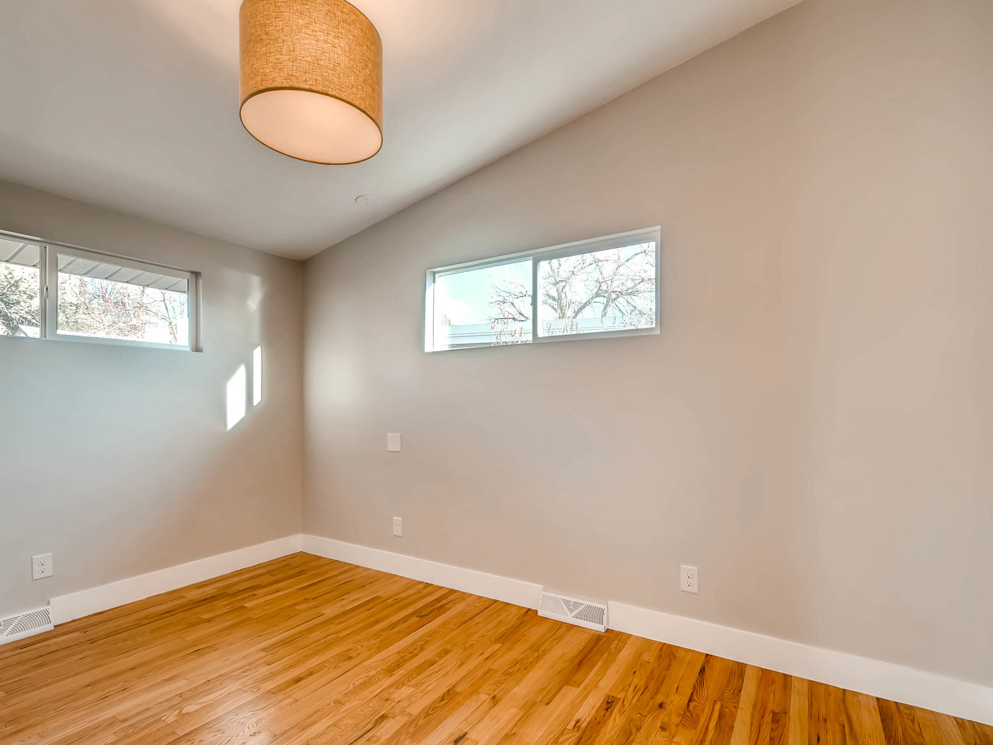 4750 S Mariposa Dr Englewood-MLS_Size-022-18-2nd Floor Bedroom-2048x1536-72dpi.jpg