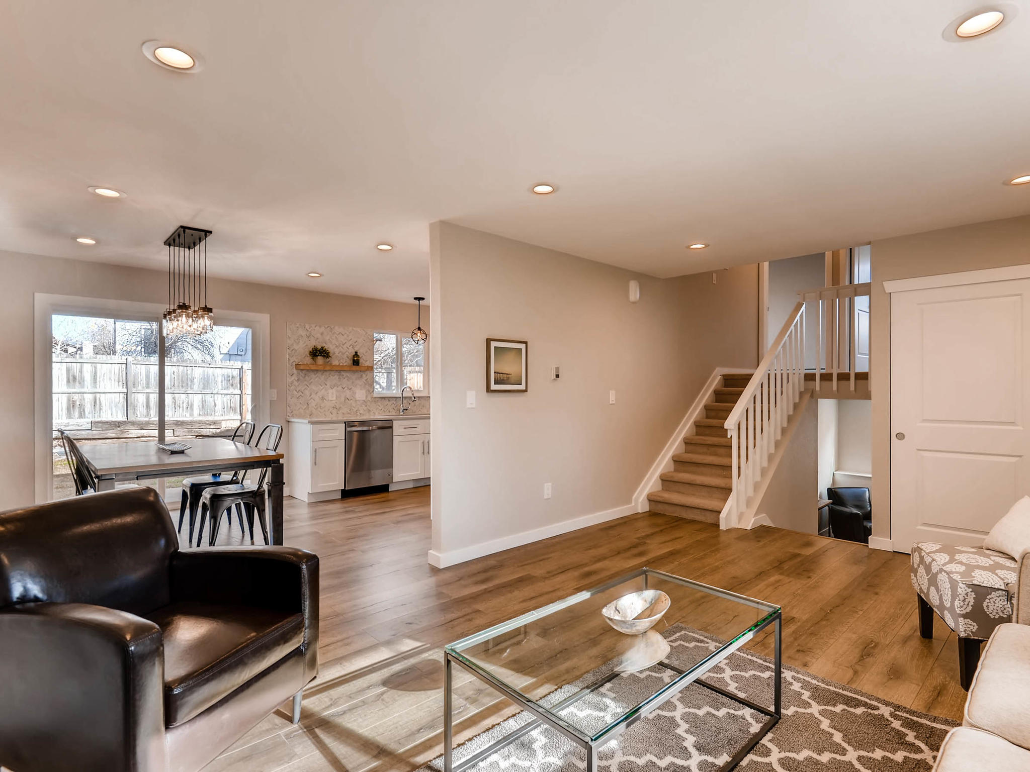 3850 S Olathe Cir Aurora CO-MLS_Size-006-6-Living Room-2048x1536-72dpi.jpg