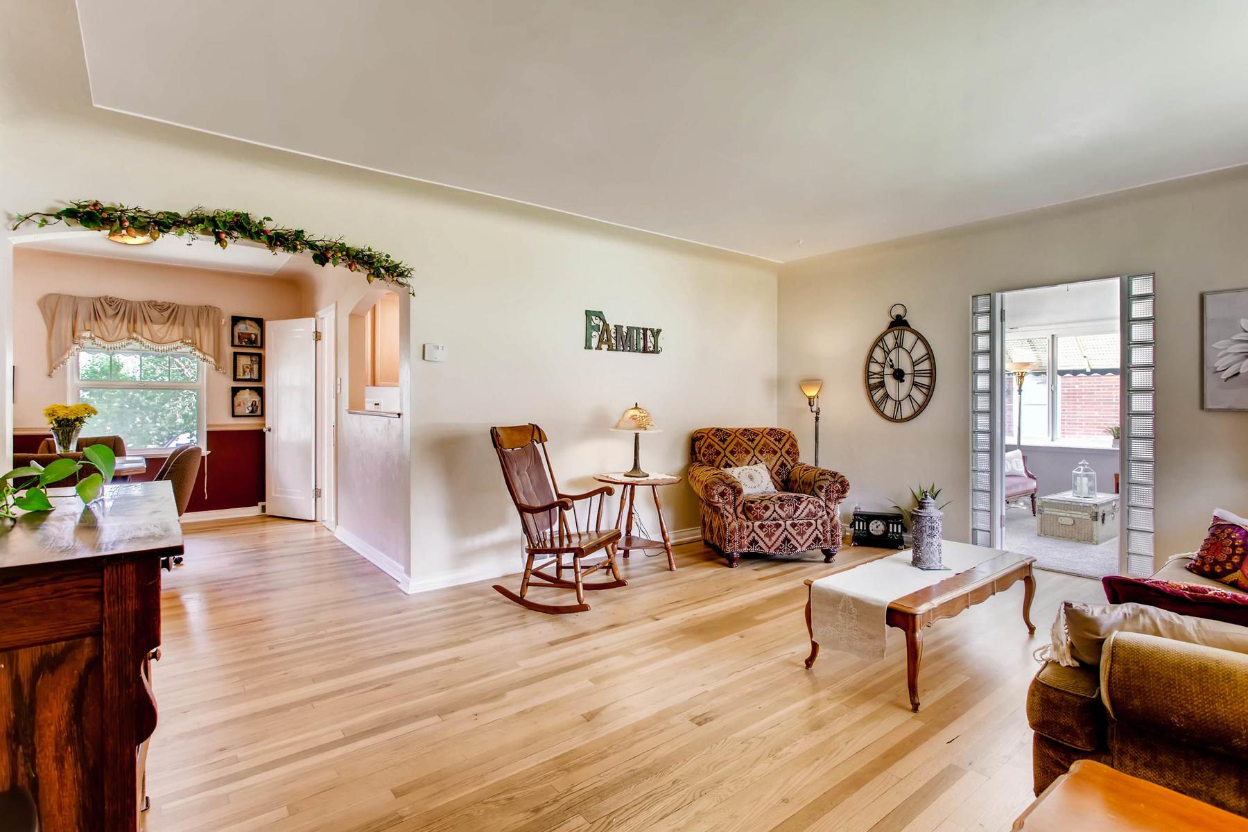 1737 W Powers Ave Littleton CO-MLS_Size-005-6-Living Room-1800x1200-72dpi.jpg