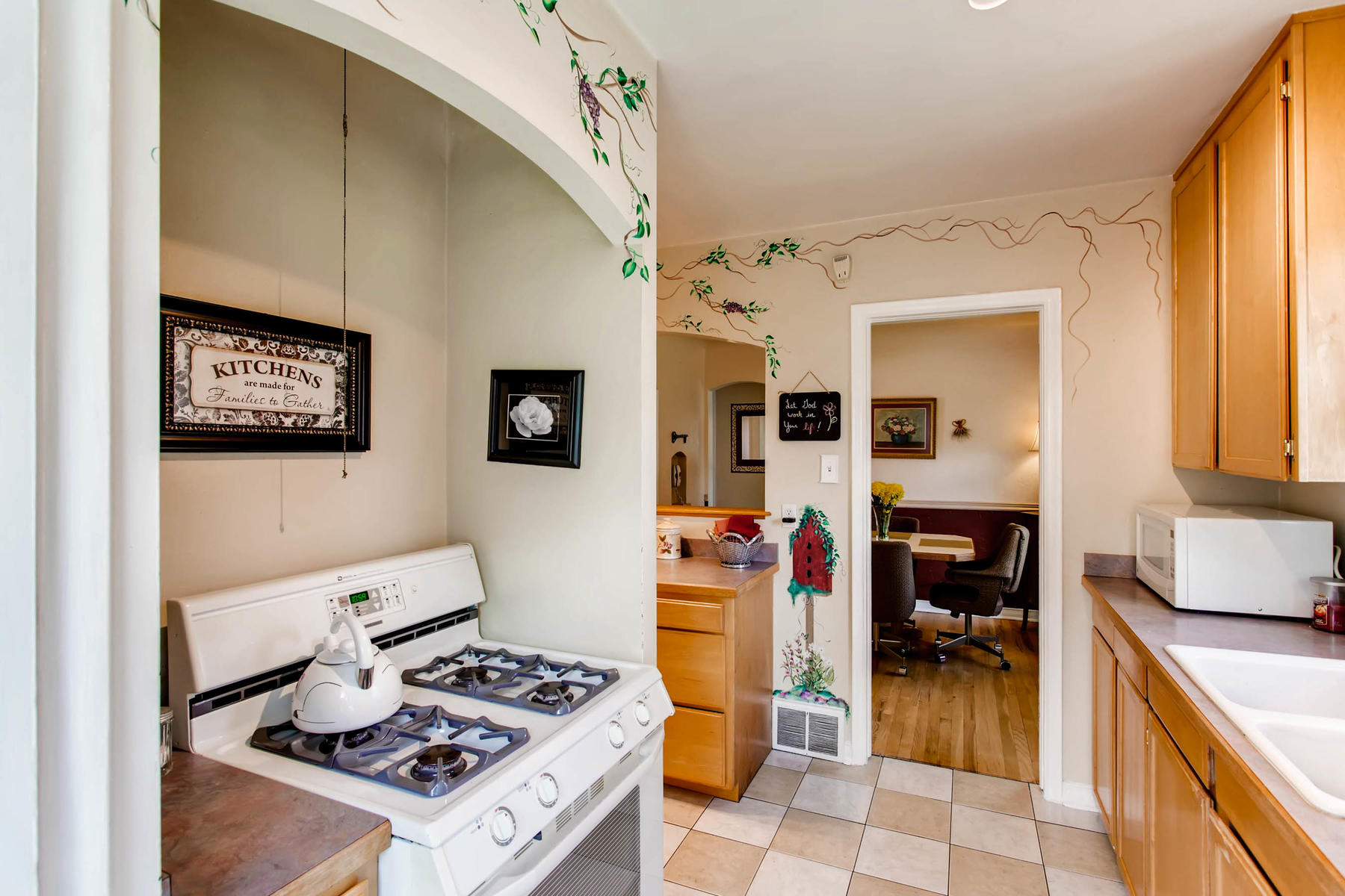 1737 W Powers Ave Littleton CO-MLS_Size-009-8-Kitchen-1800x1200-72dpi.jpg