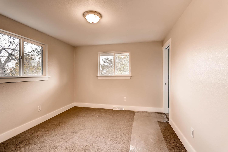 486 S Cole Ct Lakewood CO-large-012-17-Master Bedroom-1500x1000-72dpi.jpg