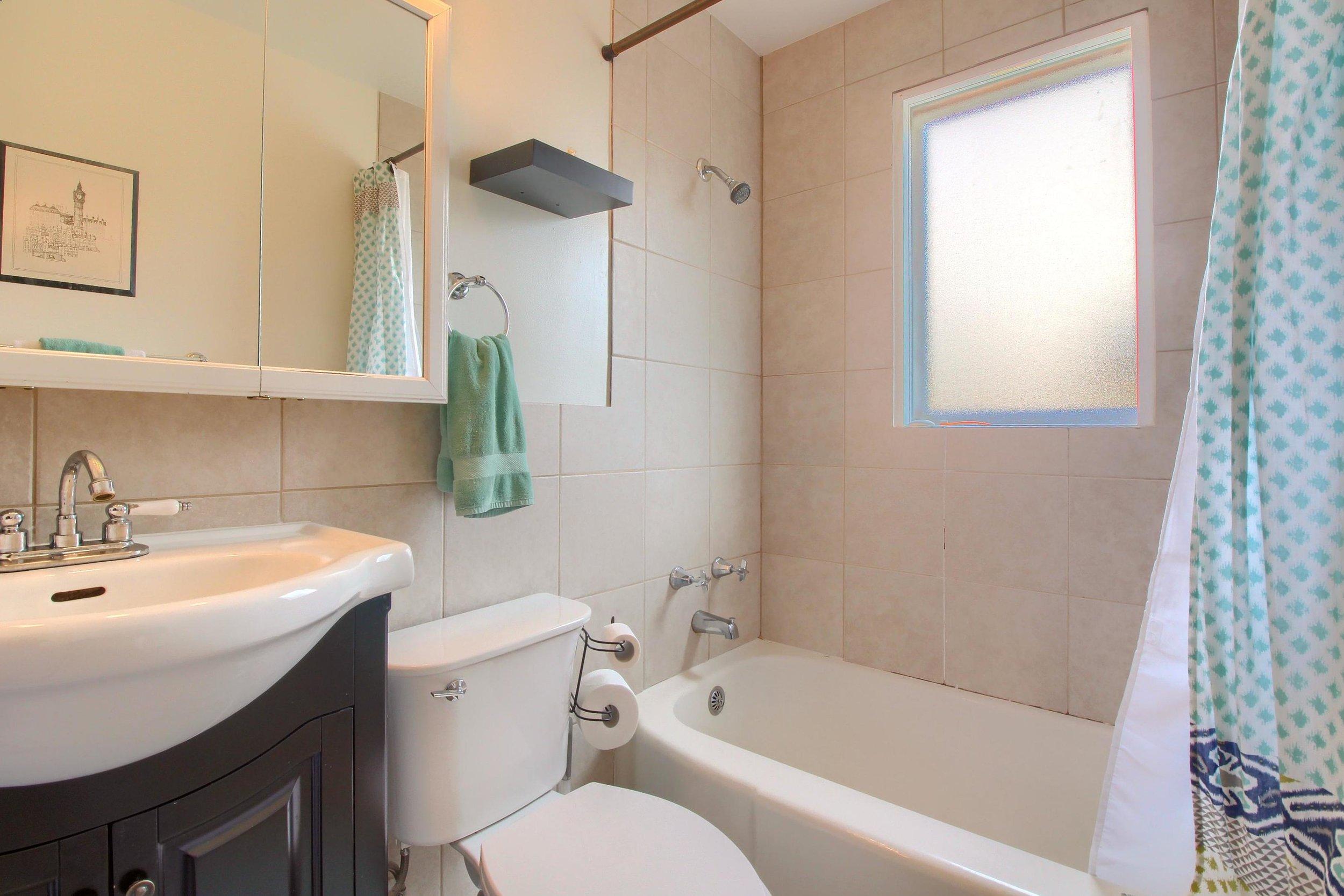 05_Master_Bathroom_IMG_1226.JPG