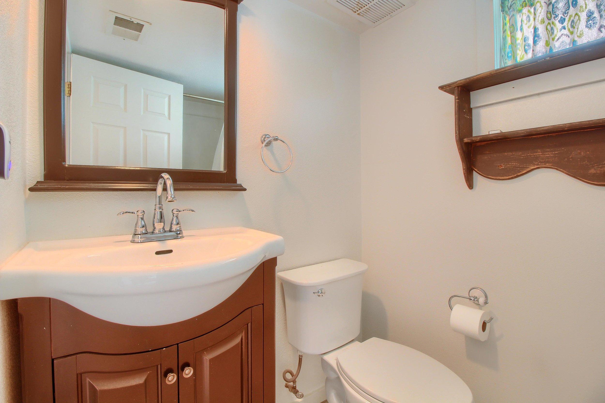 07_Bathroom_IMG_1066.JPG