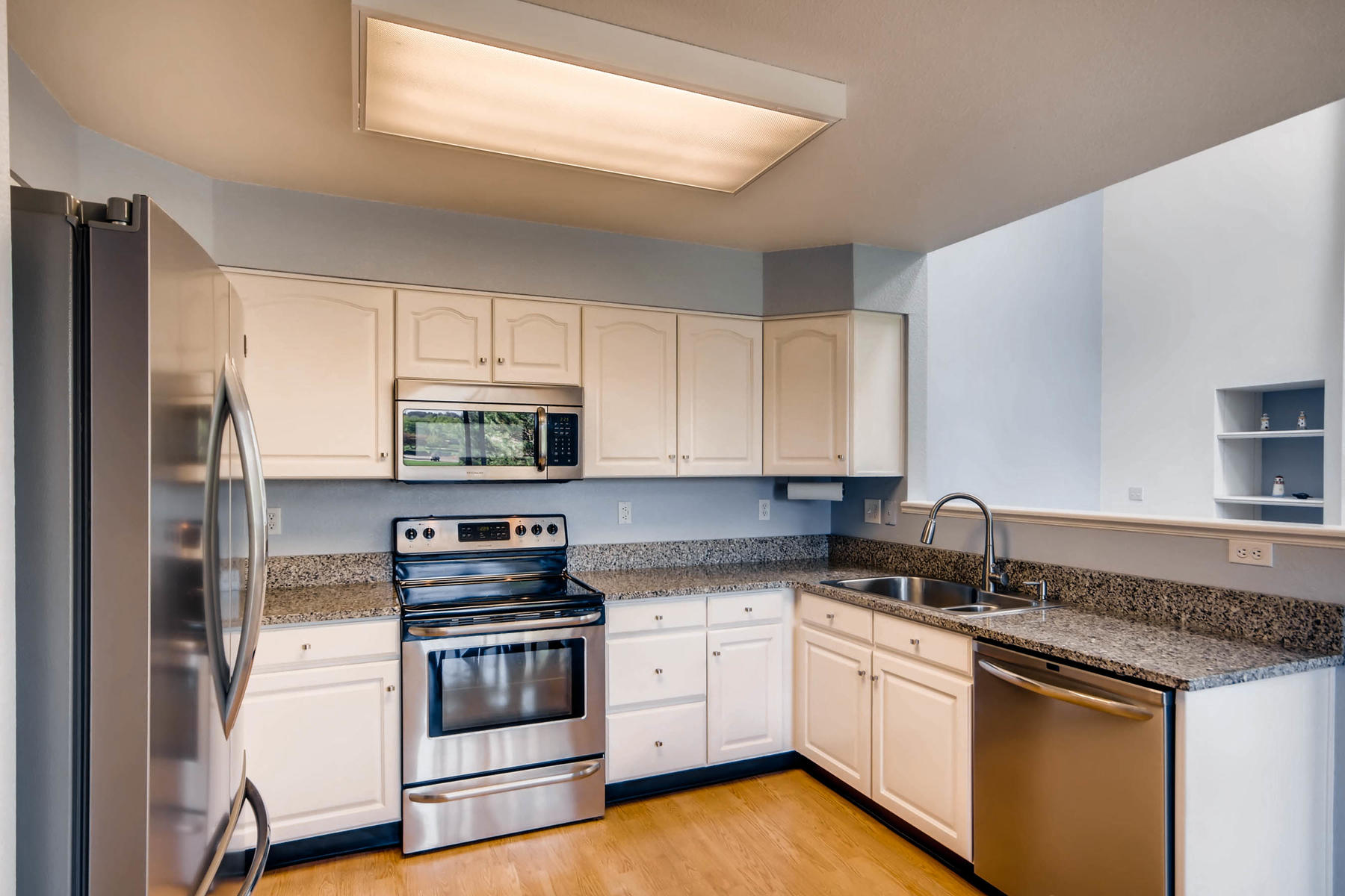 5700 S Jasper Way Centennial-MLS_Size-008-8-Kitchen-1800x1200-72dpi.jpg