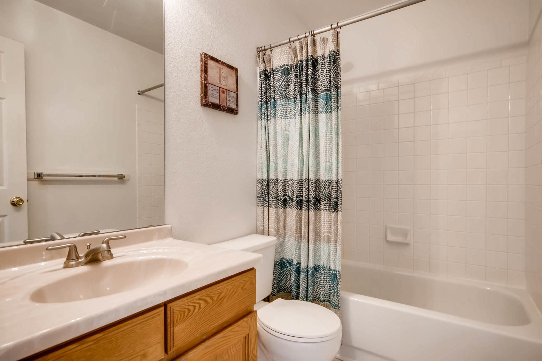 5700 S Jasper Way Centennial-MLS_Size-020-16-2nd Floor Bathroom-1800x1200-72dpi.jpg