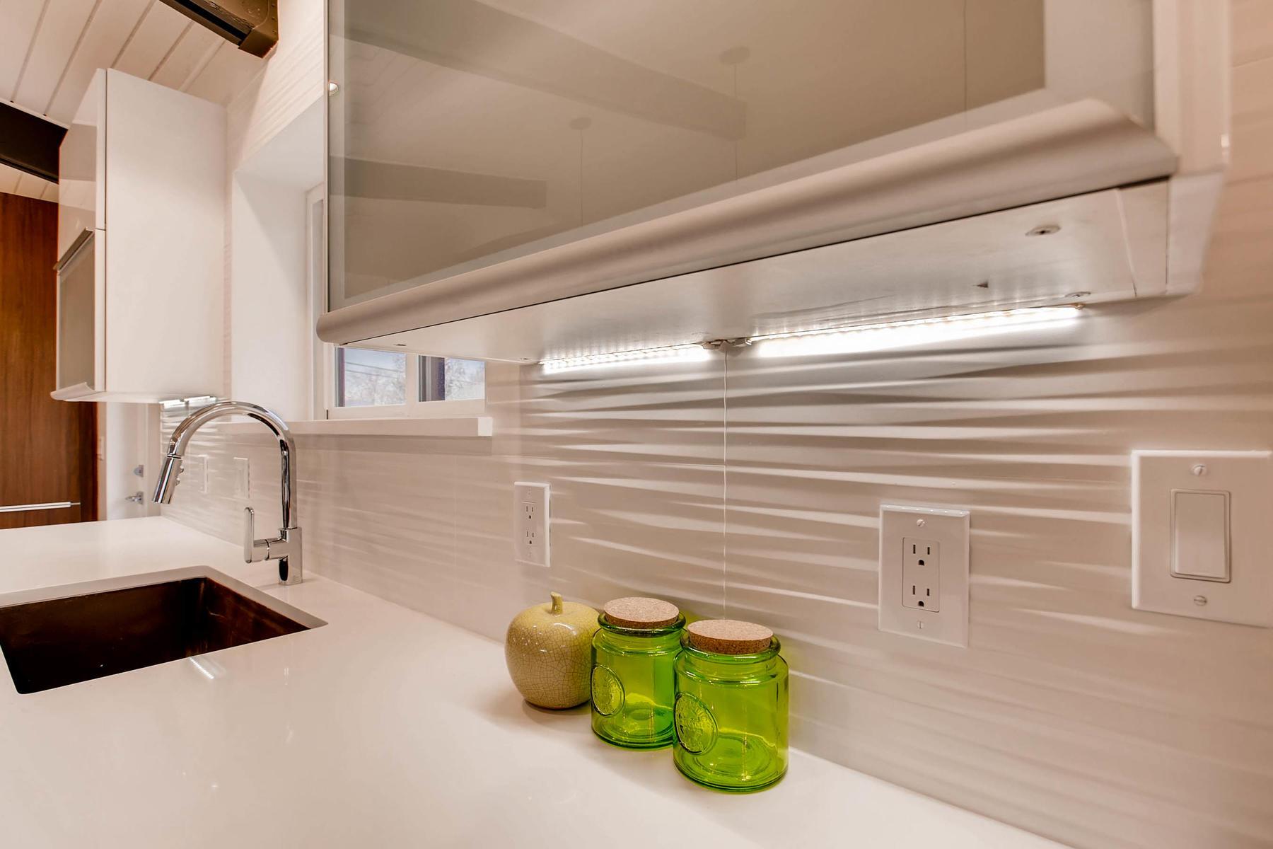 4547 E Girard Ave Denver CO-MLS_Size-013-10-Kitchen-1800x1200-72dpi.jpg