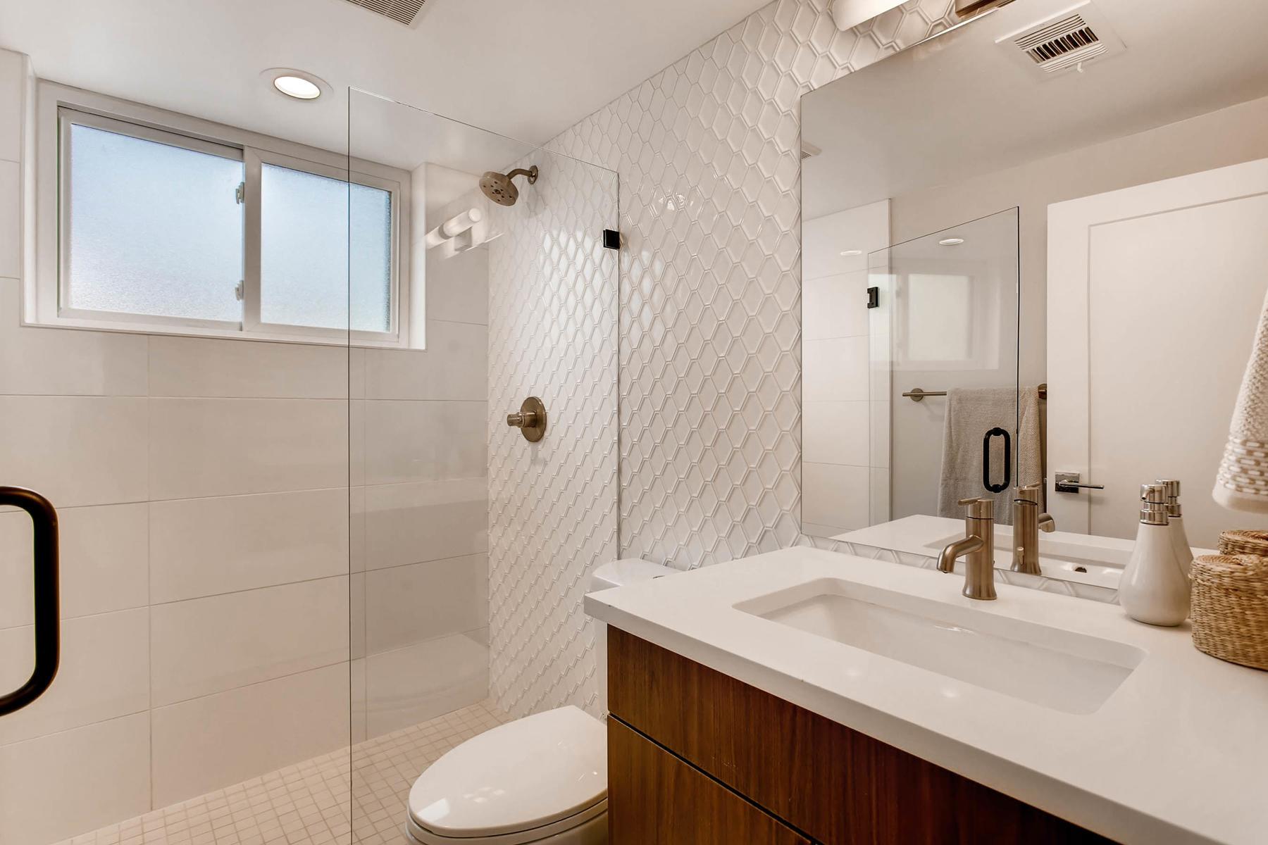 4547 E Girard Ave Denver CO-MLS_Size-029-17-Lower Level Bathroom-1800x1200-72dpi.jpg