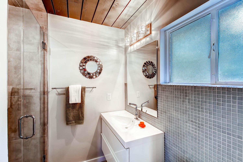 5405 S Lowell Blvd Littleton-large-017-Master Bathroom-1500x1000-72dpi.jpg