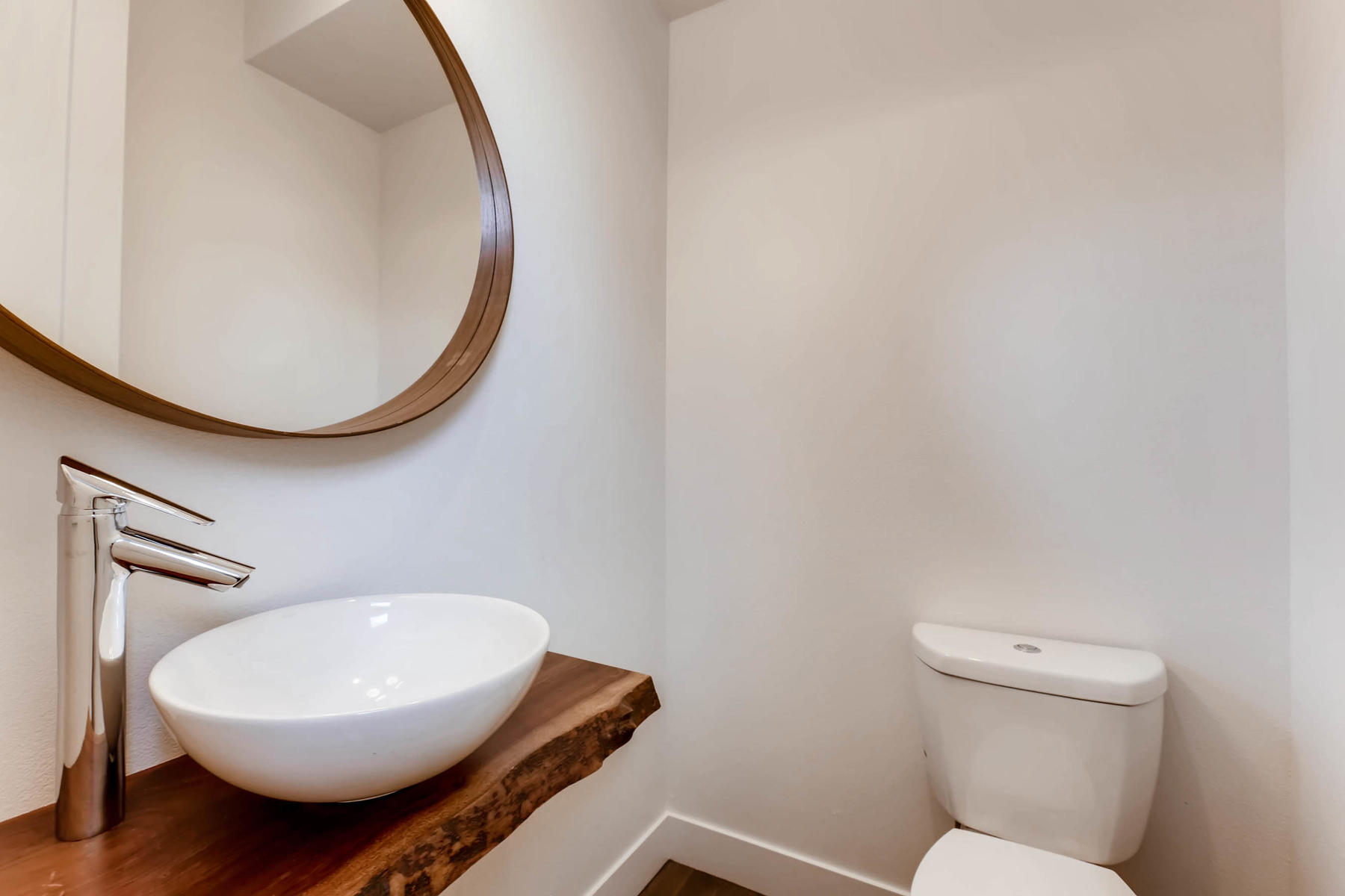 3000 S Elati Street Englewood-MLS_Size-010-9-Powder Room-1800x1200-72dpi.jpg