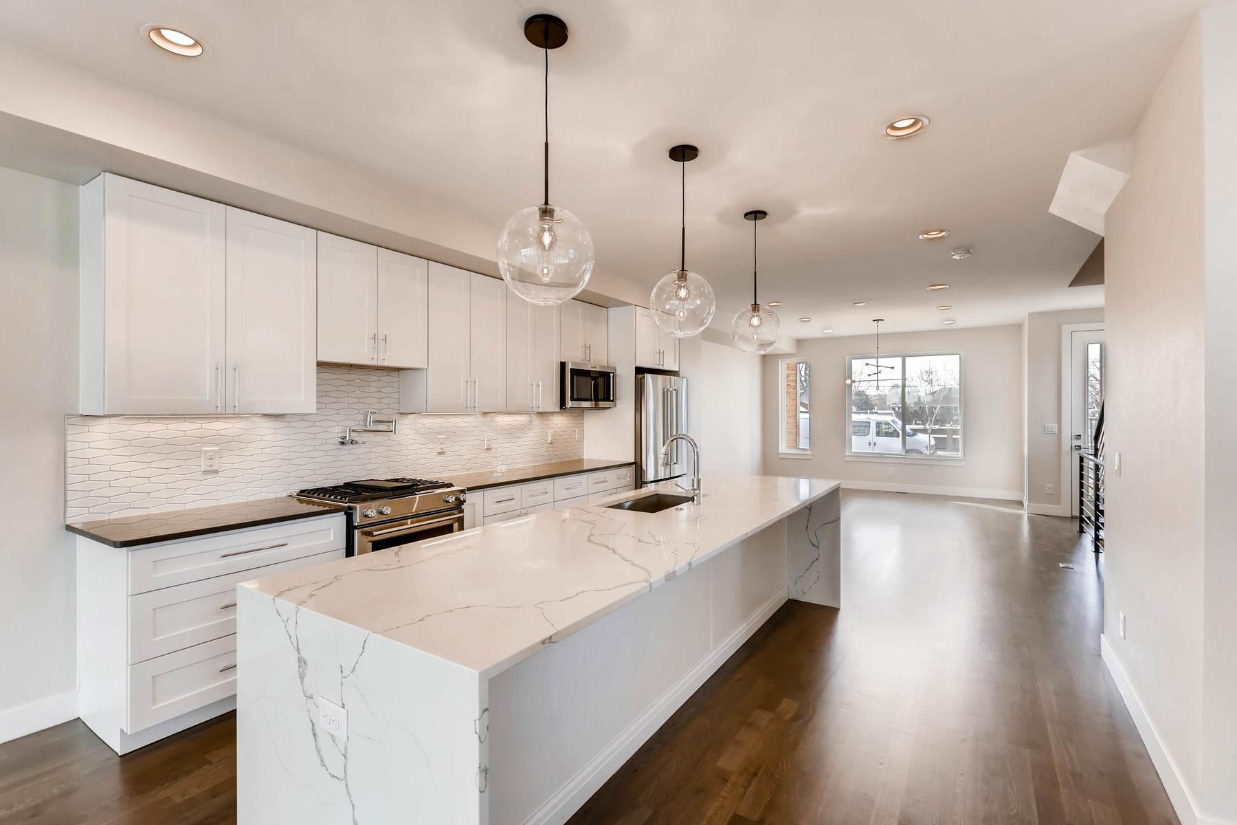 3000 S Elati Street Englewood-MLS_Size-009-6-Kitchen-1800x1200-72dpi.jpg