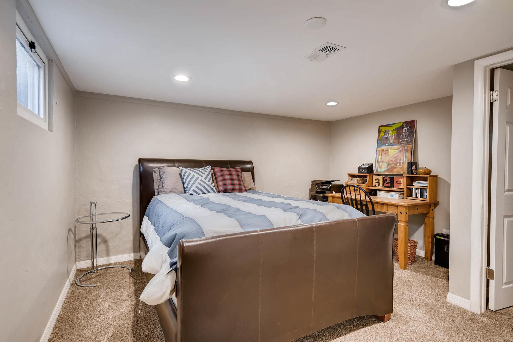 6676 S Kit Carson St-MLS_Size-022-13-Lower Level Bedroom-1800x1200-72dpi.jpg