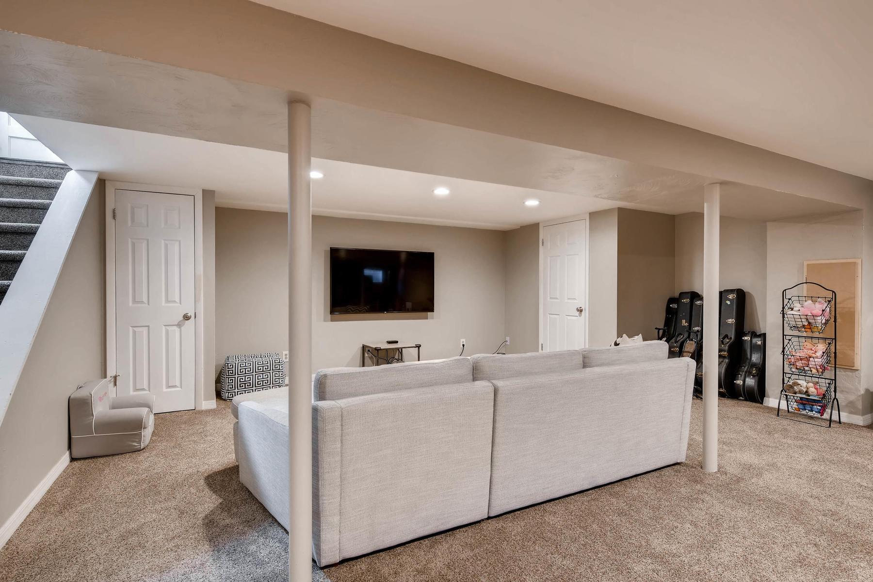 6676 S Kit Carson St-MLS_Size-021-24-Lower Level Family Room-1800x1200-72dpi.jpg