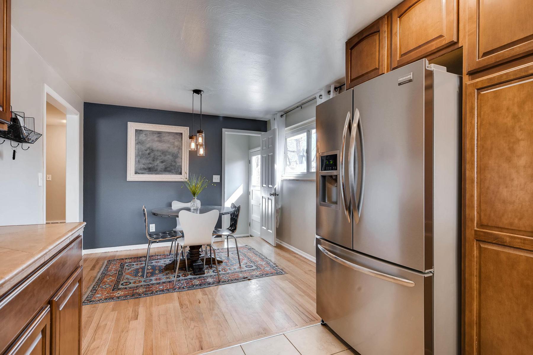 6676 S Kit Carson St-MLS_Size-010-6-Kitchen-1800x1200-72dpi.jpg