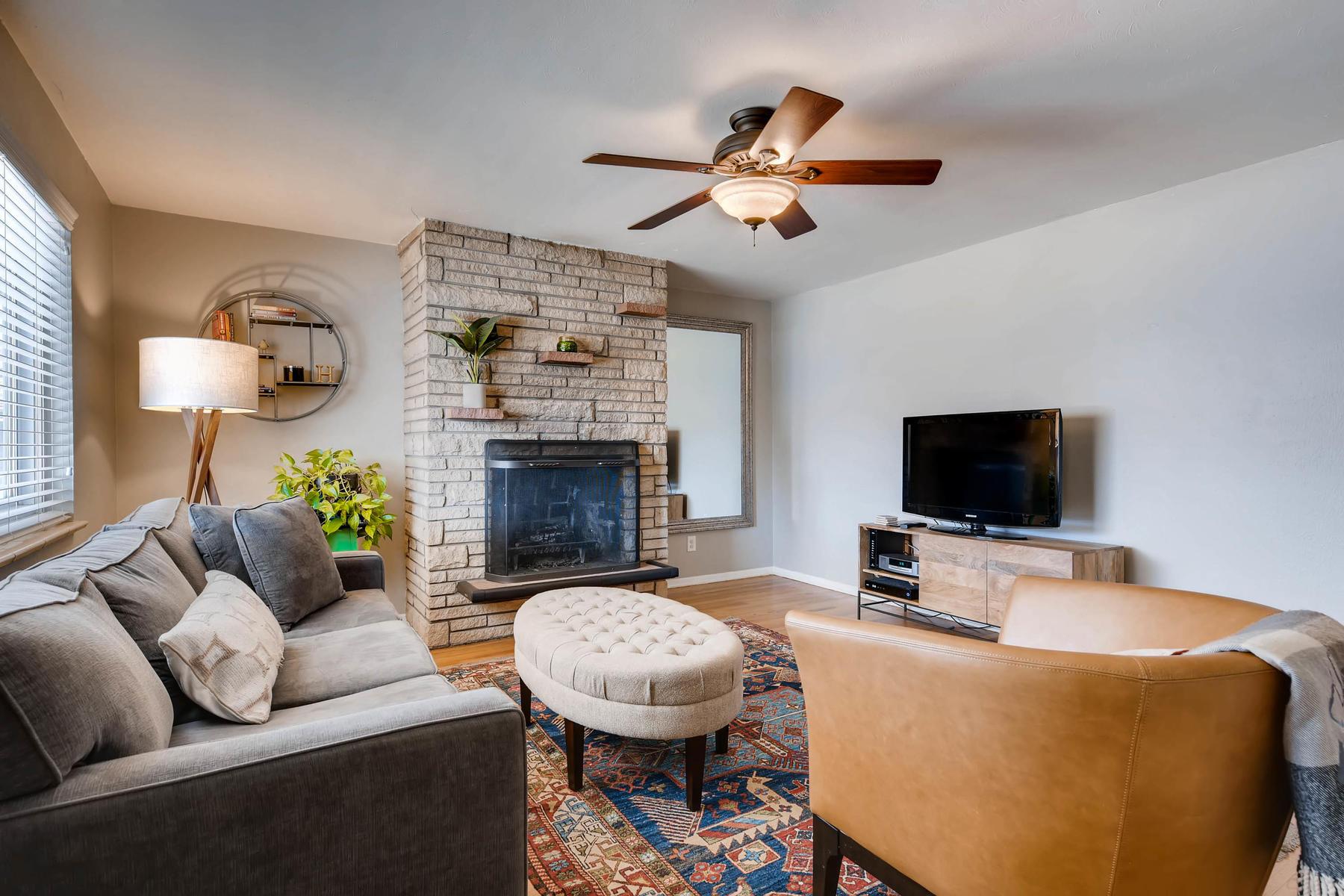6676 S Kit Carson St-MLS_Size-006-22-Living Room-1800x1200-72dpi.jpg