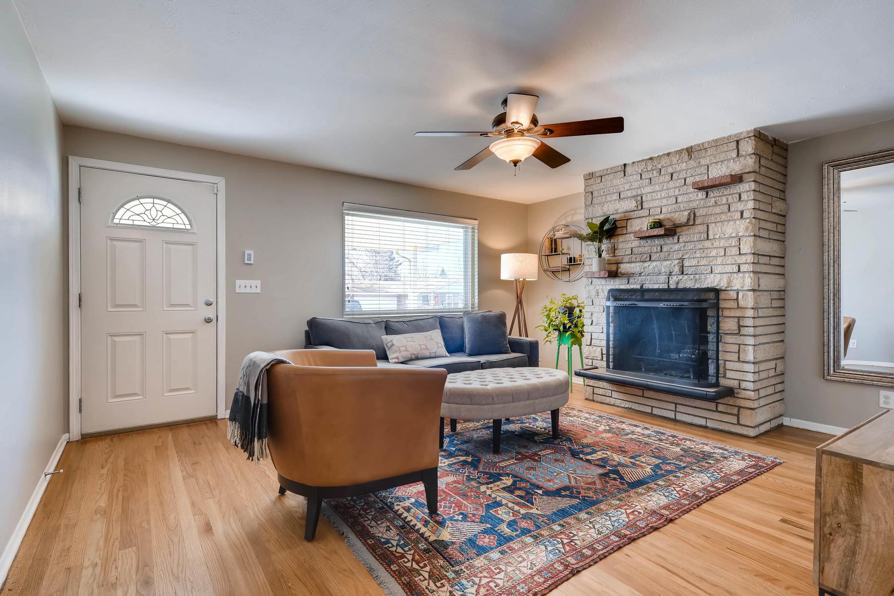 6676 S Kit Carson St-MLS_Size-005-3-Living Room-1800x1200-72dpi.jpg