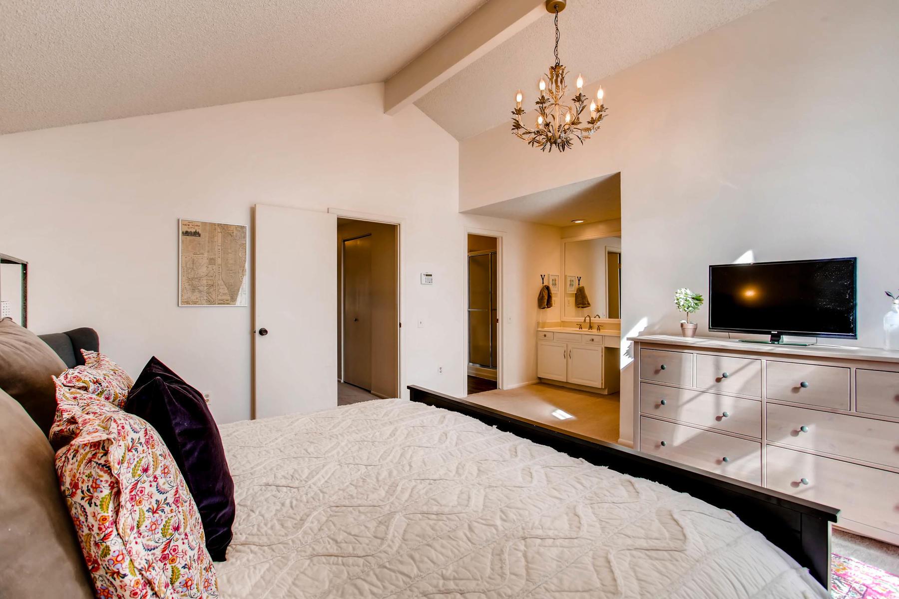12626 E Bates Cir Aurora CO-MLS_Size-018-12-2nd Floor Master Bedroom-1800x1200-72dpi.jpg
