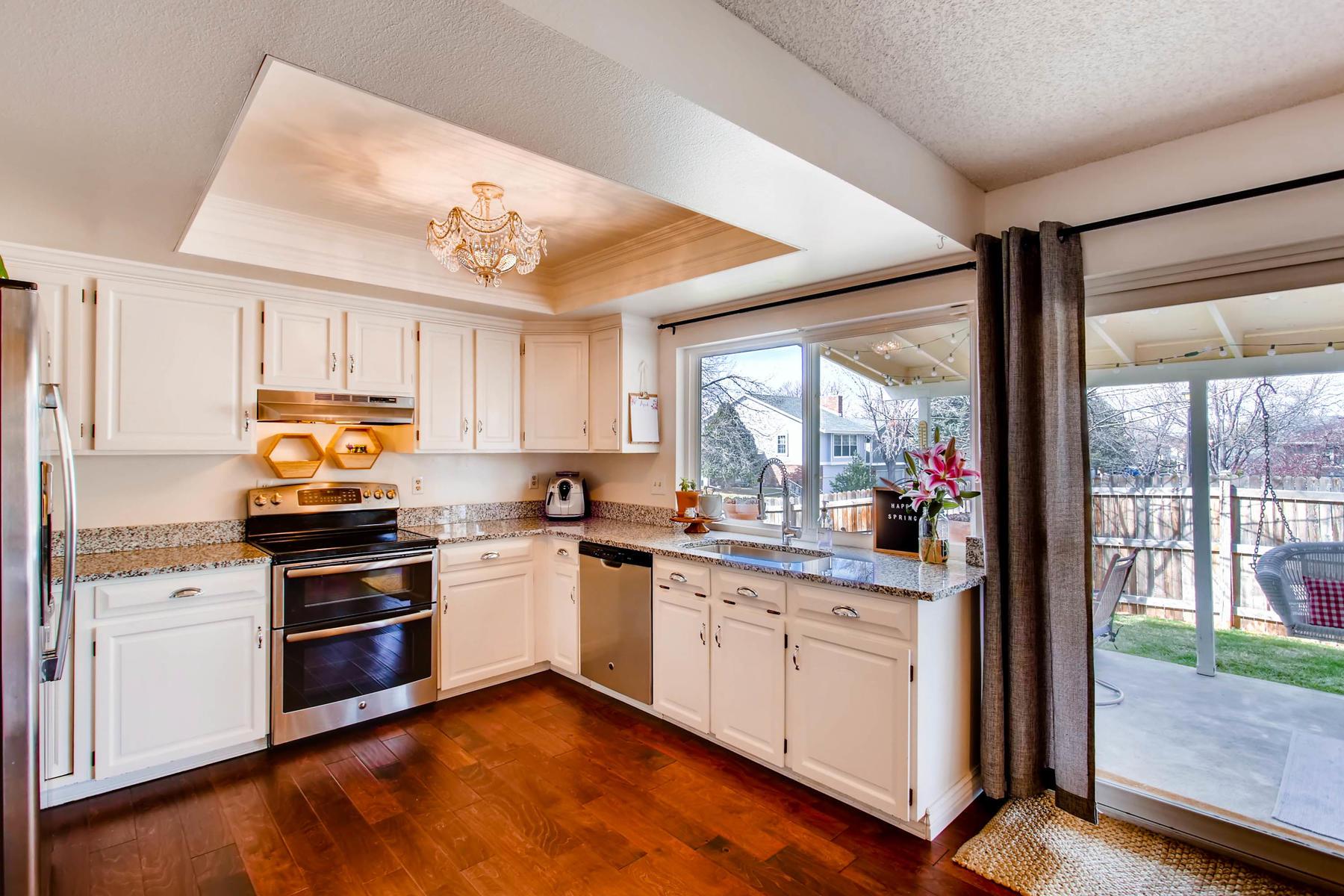 12626 E Bates Cir Aurora CO-MLS_Size-012-31-Kitchen-1800x1200-72dpi.jpg