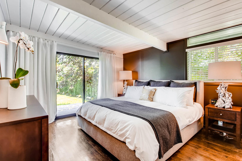1300 S Dahila Street Denver CO-large-014-8-Master Bedroom-1500x1000-72dpi.jpg