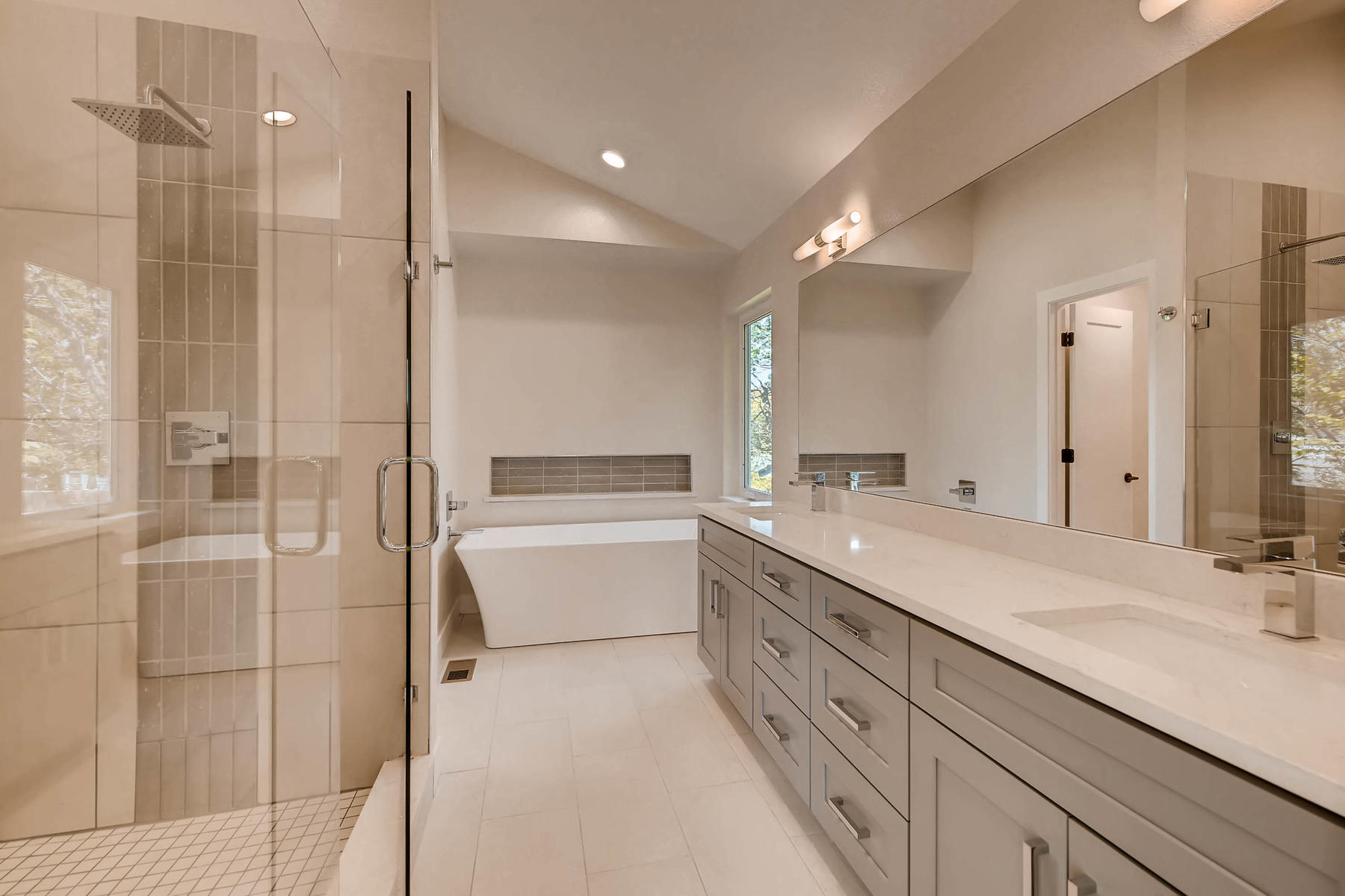 2753 S Acoma St Englewood CO-018-32-2nd Floor Master Bathroom-MLS_Size.jpg