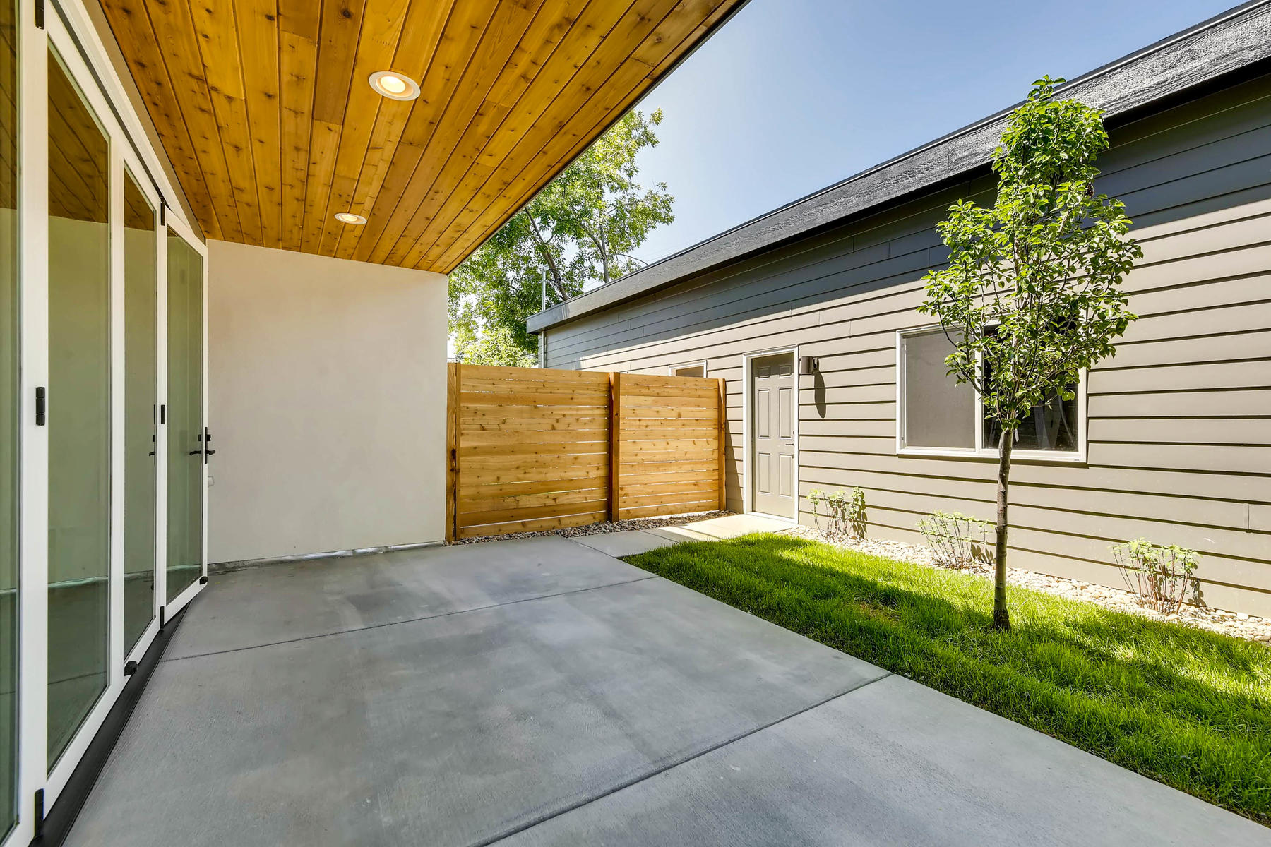 2753 S Acoma St Englewood CO-031-27-Patio-MLS_Size.jpg