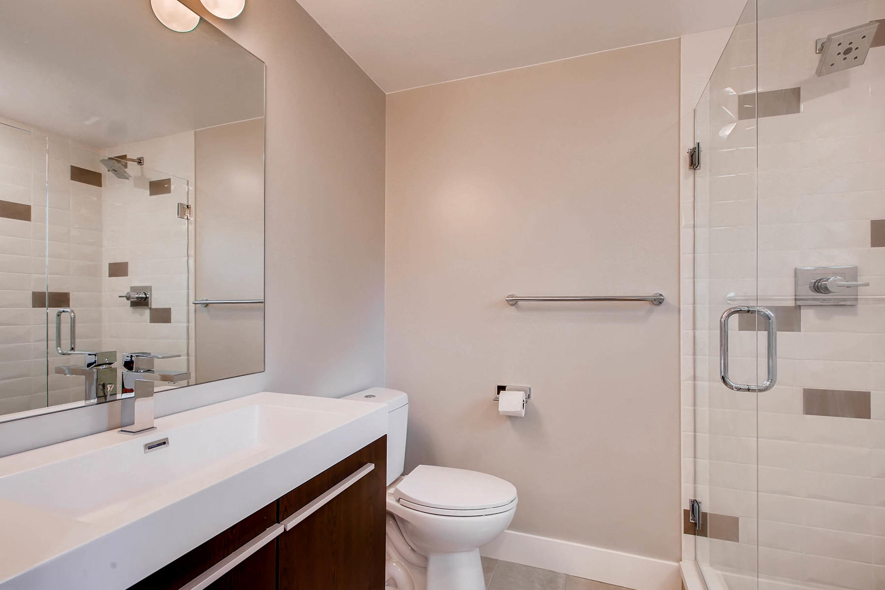 1827 S Jasmine Street Denver-014-5-Master Bathroom-MLS_Size.jpg