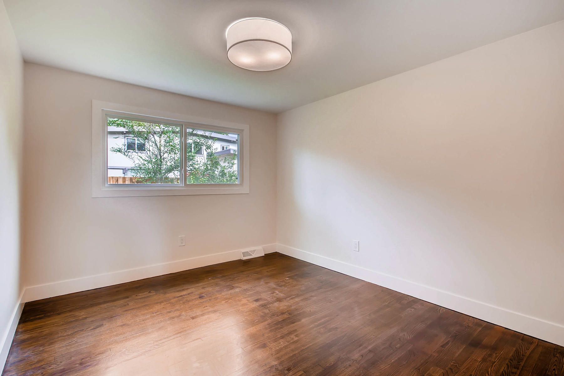 1827 S Jasmine Street Denver-015-20-Bedroom-MLS_Size.jpg