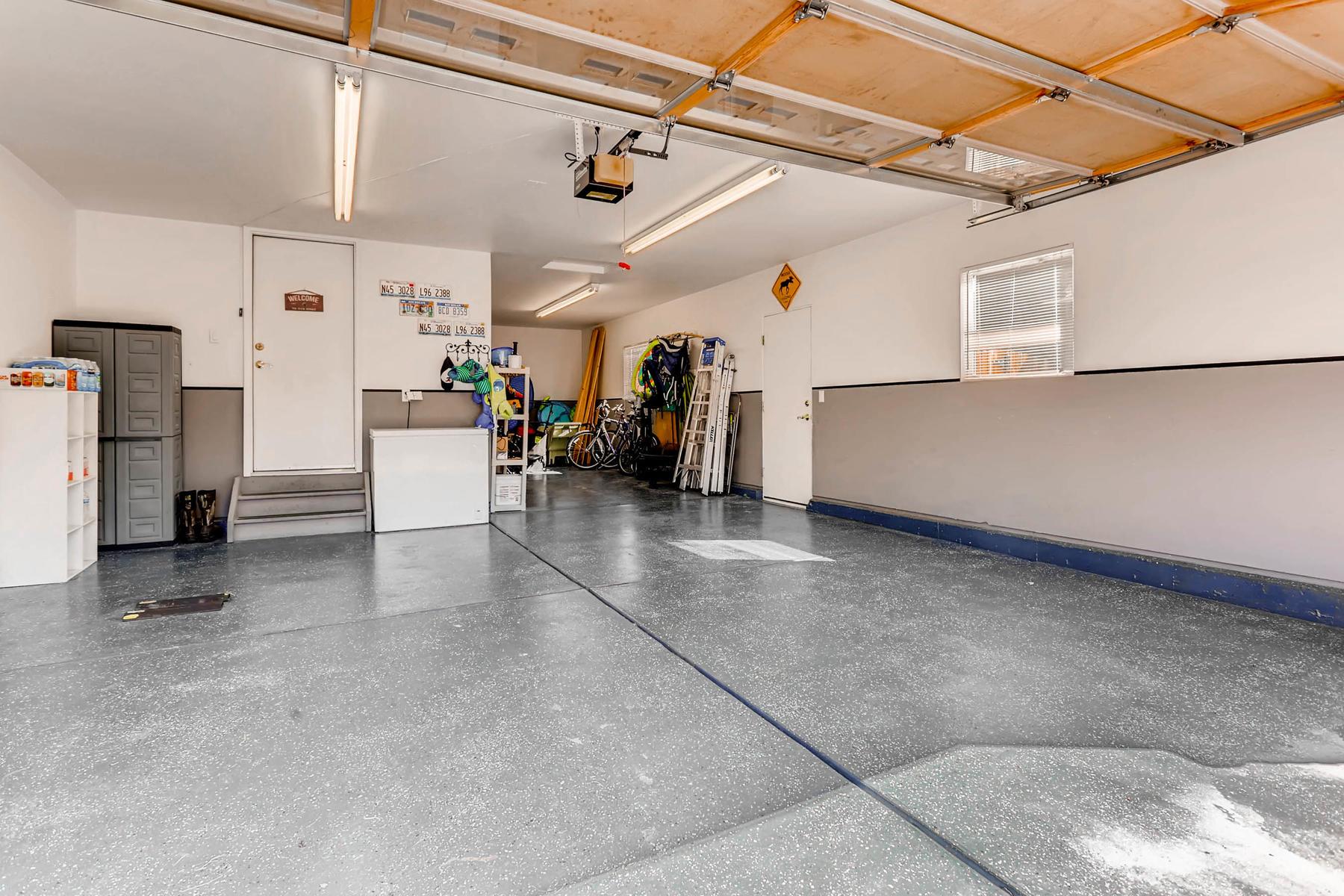 2577 S Flanders Court Aurora-023-17-Garage-MLS_Size.jpg