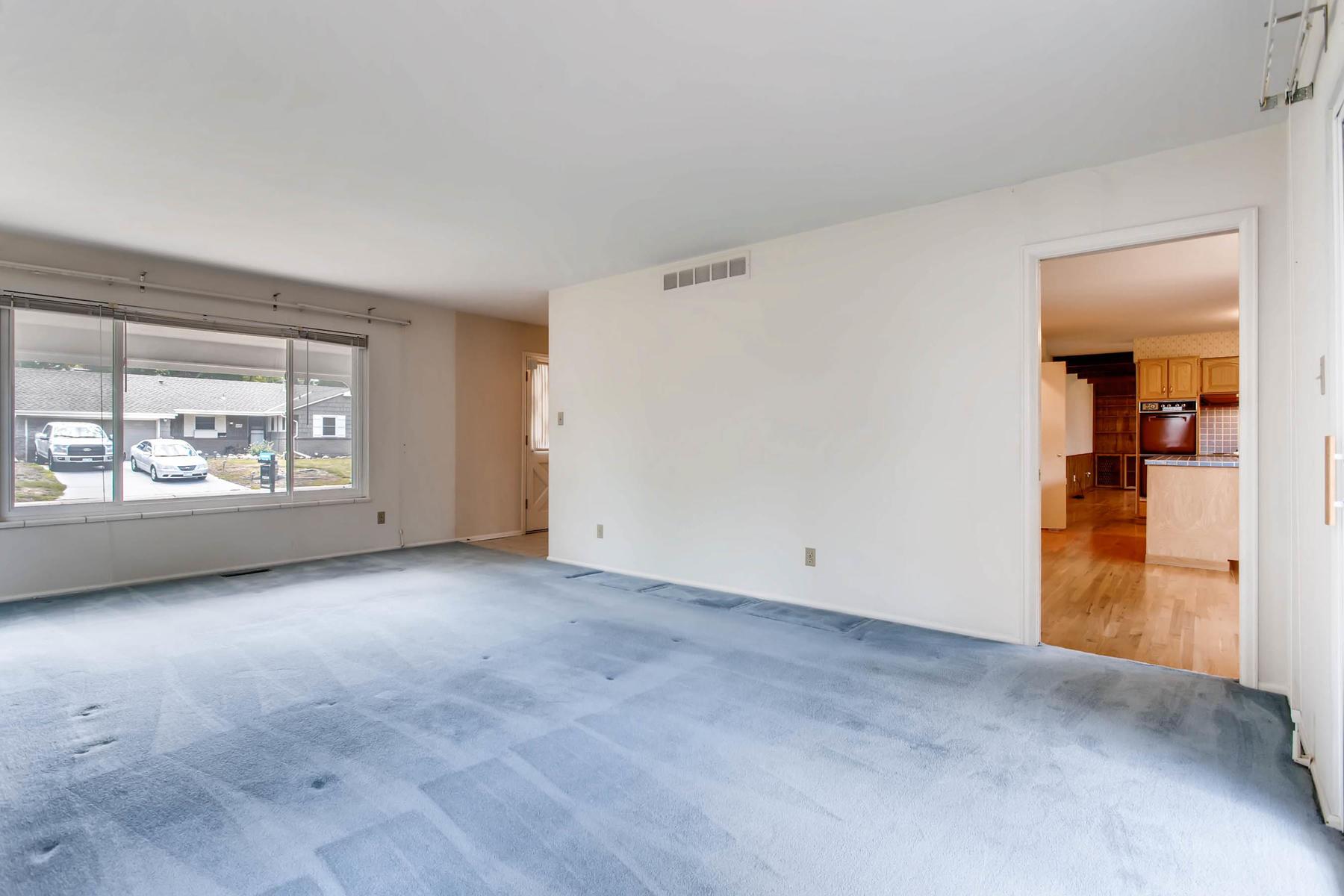 3111 S Monaco Circle Denver CO-005-7-Living Room-MLS_Size.jpg