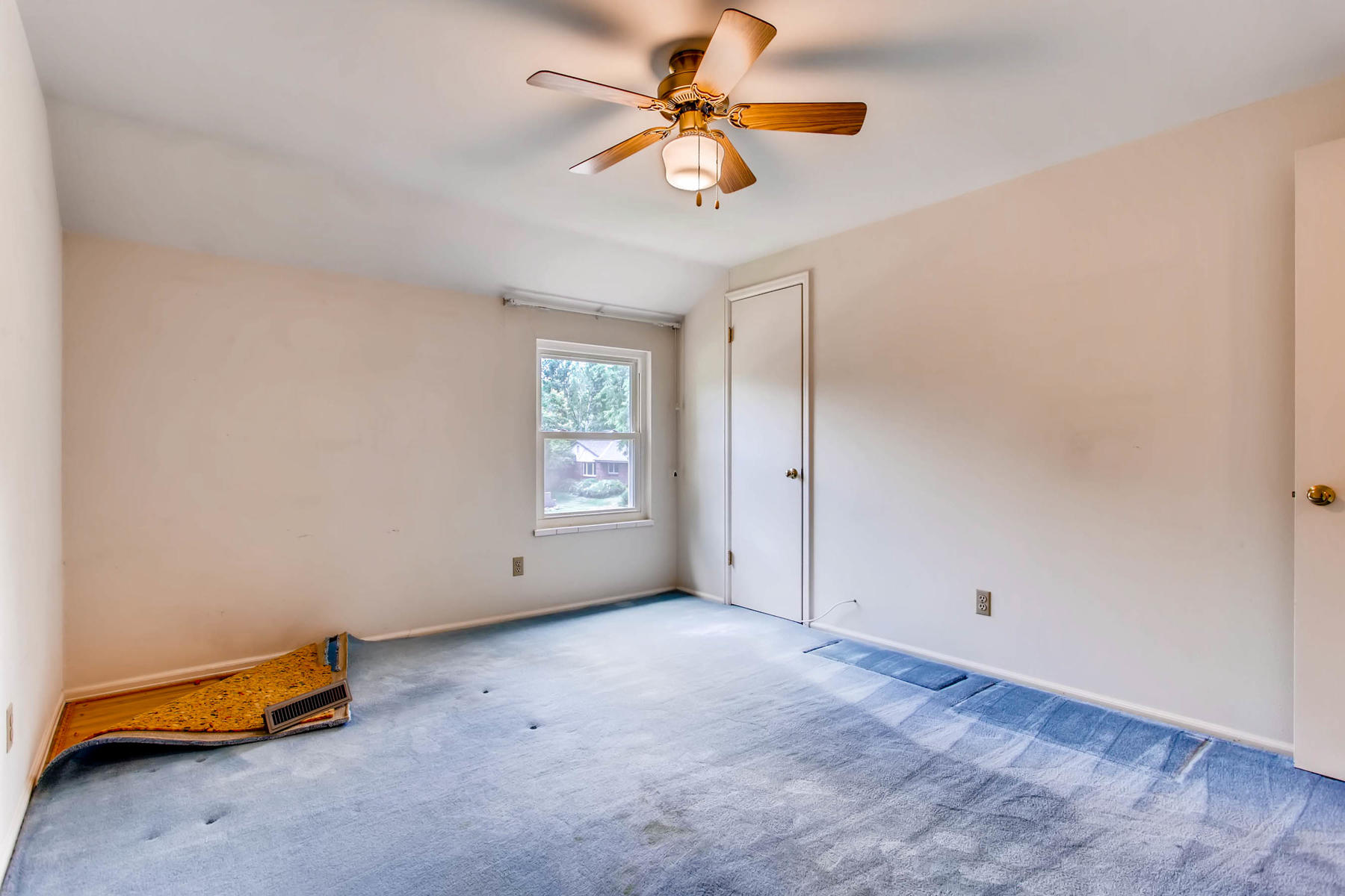 3111 S Monaco Circle Denver CO-022-24-2nd Floor Bedroom-MLS_Size.jpg