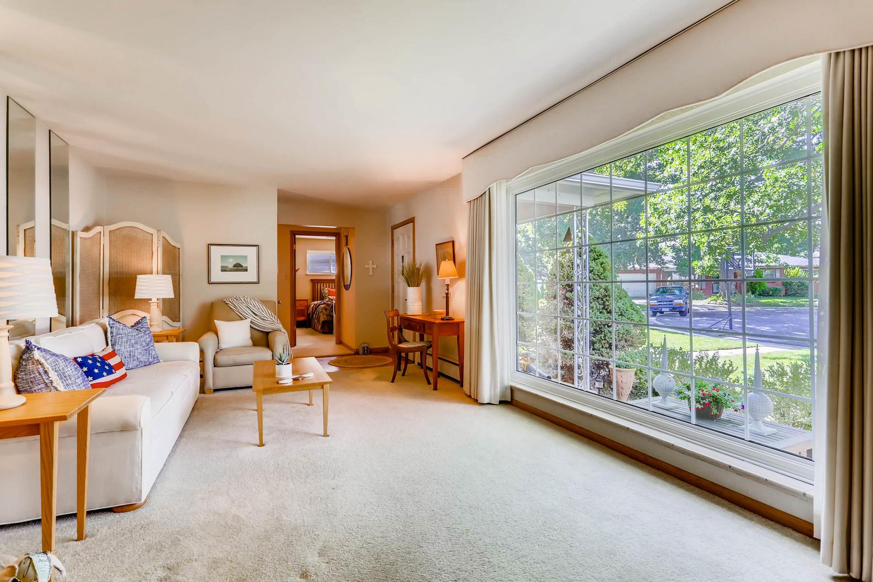 2912 S Race Street Denver CO-007-1-Living Room-MLS_Size.jpg