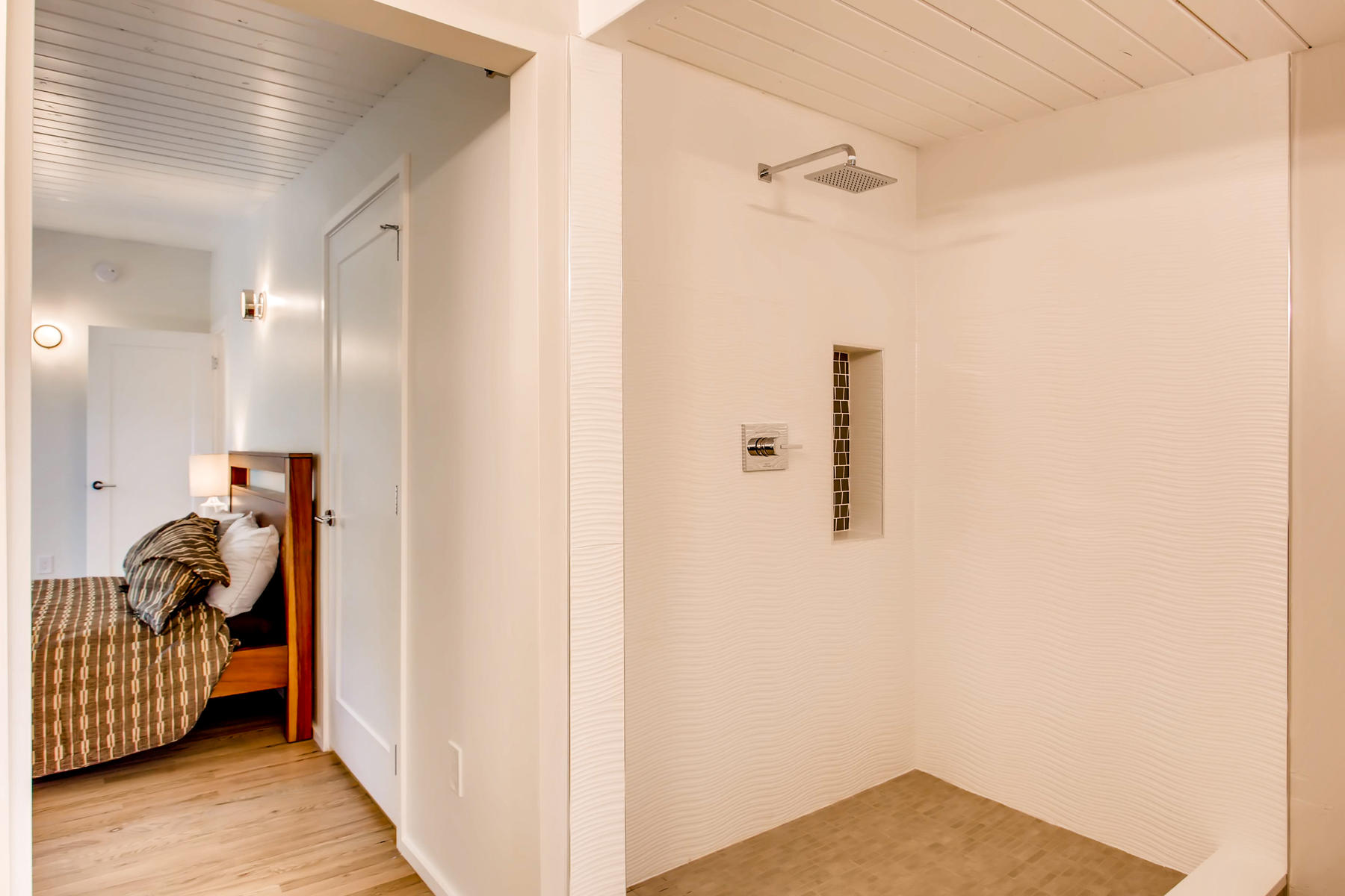 1332 S Edison Way Denver CO-019-37-Master Bathroom-MLS_Size.jpg