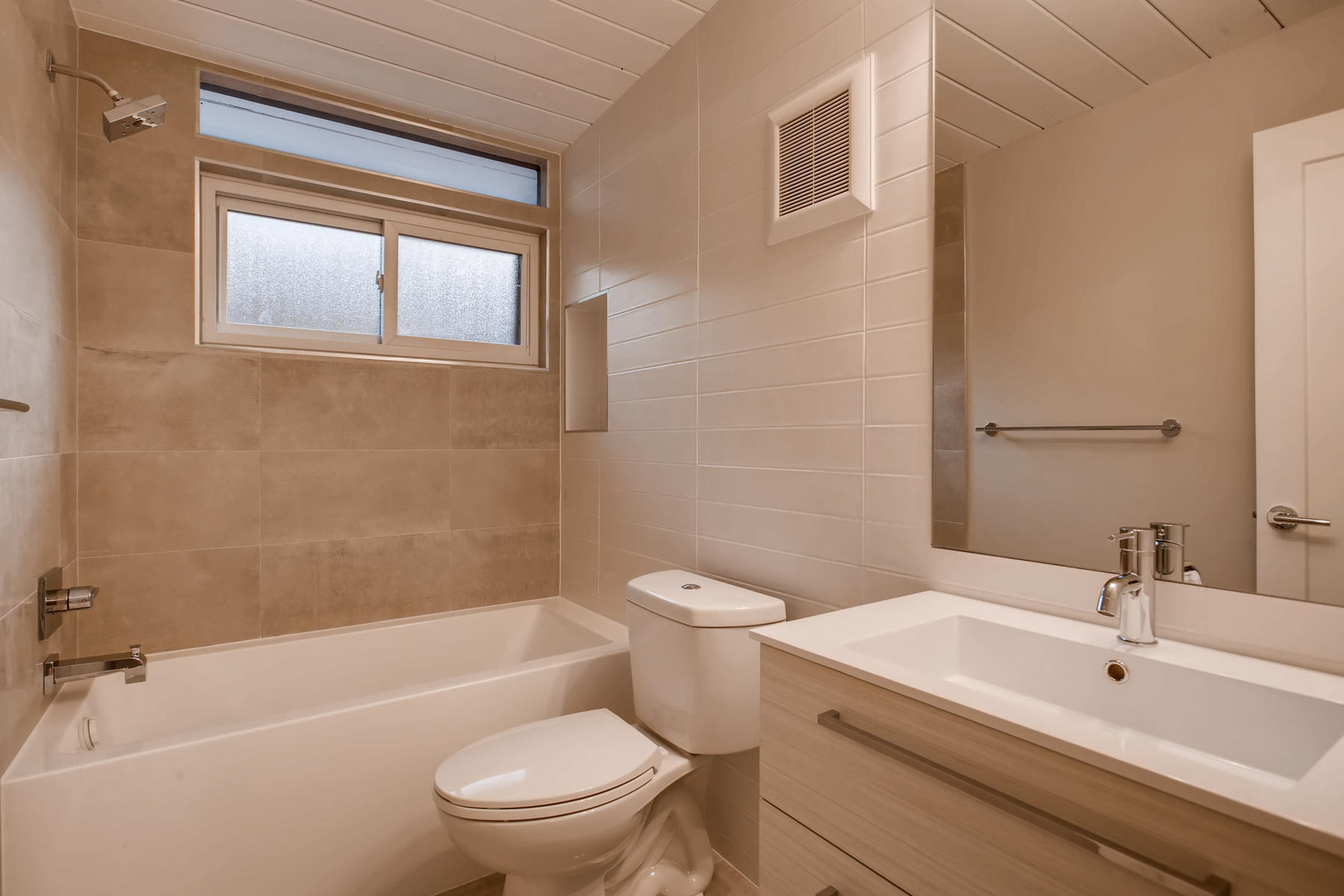 1332 S Edison Way Denver CO-027-15-Bathroom-MLS_Size.jpg