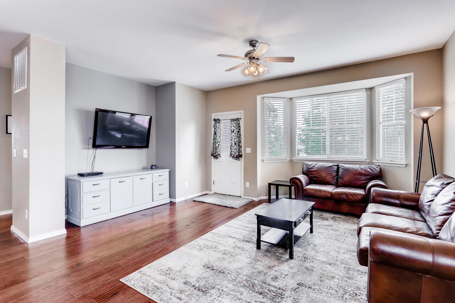 3385 S Jericho St Aurora CO-004-3-Living Room-MLS_Size.jpg