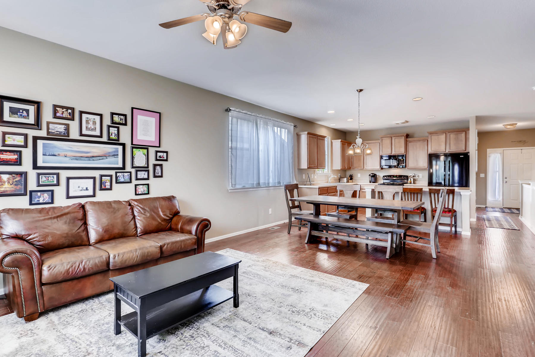 3385 S Jericho St Aurora CO-006-4-Living Room-MLS_Size.jpg