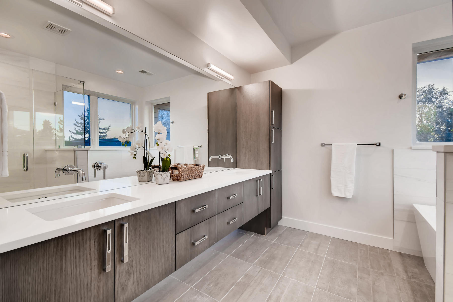 3485 S Clermont St Denver CO-024-38-2nd Floor Master Bathroom-MLS_Size.jpg