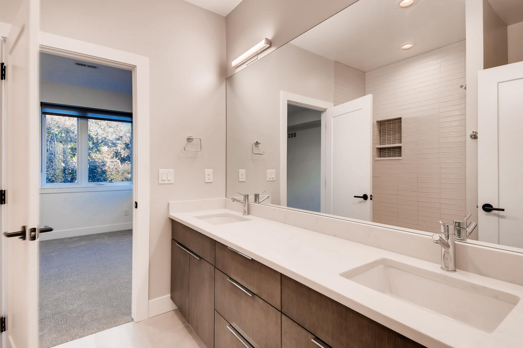 3485 S Clermont St Denver CO-029-30-2nd Floor Jack and Jill-MLS_Size.jpg