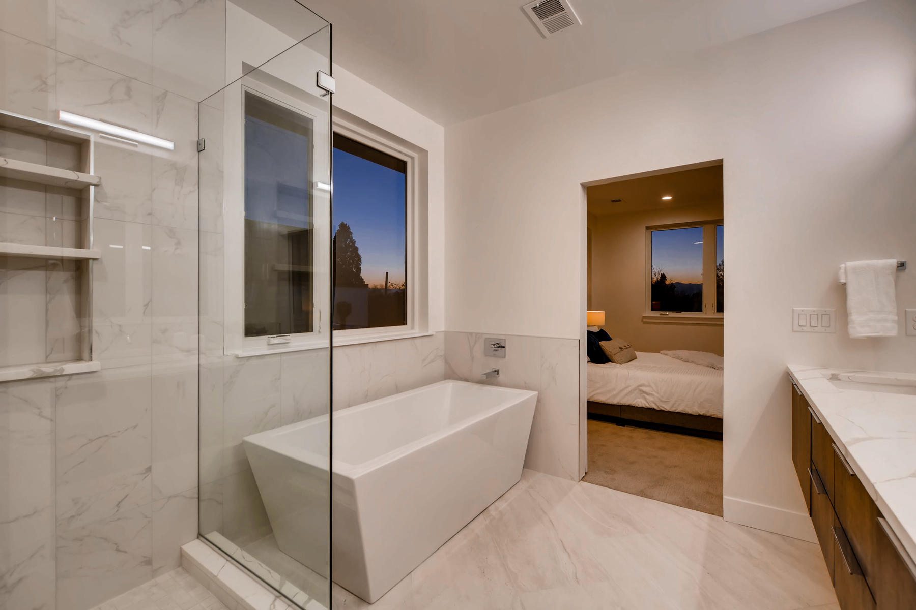 3475 S Clermont St Denver CO-019-7-2nd Floor Master Bathroom-MLS_Size.jpg