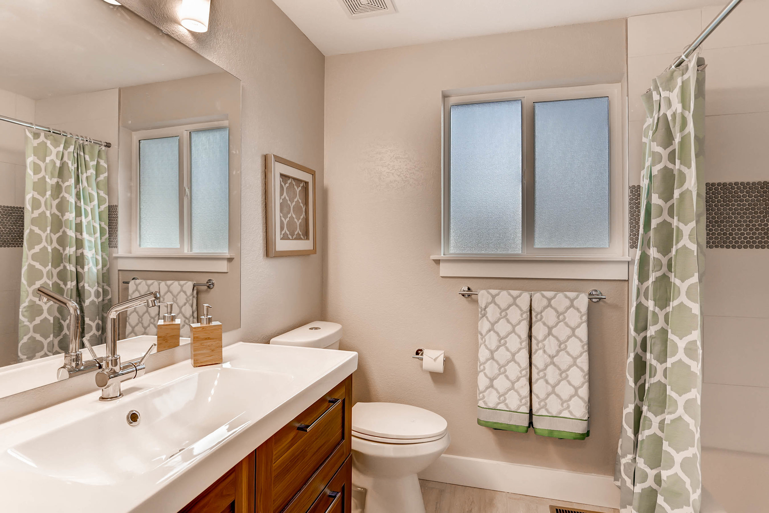 486 S Cole Ct Lakewood CO-print-018-11-Bathroom-2700x1800-300dpi.jpg