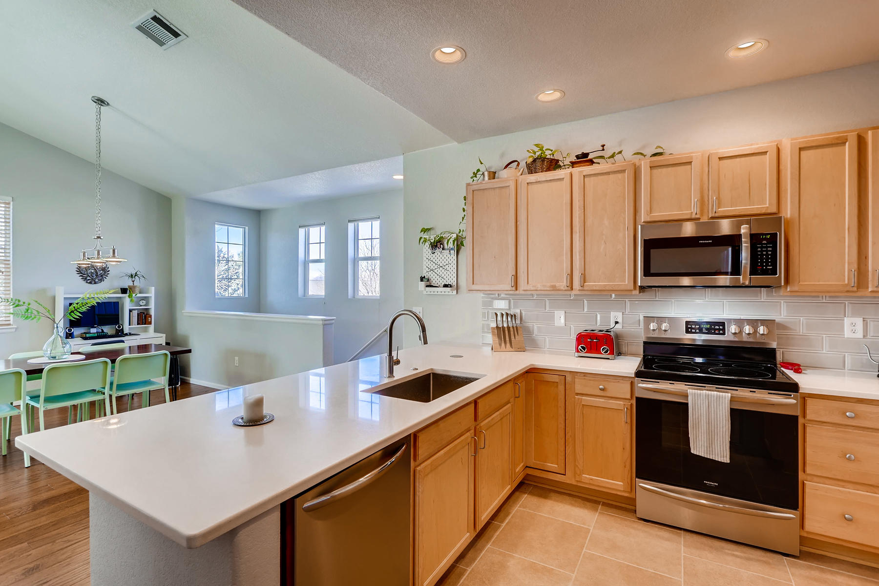 2142 S Fulton Cir 204 Denver-007-11-Kitchen-MLS_Size.jpg