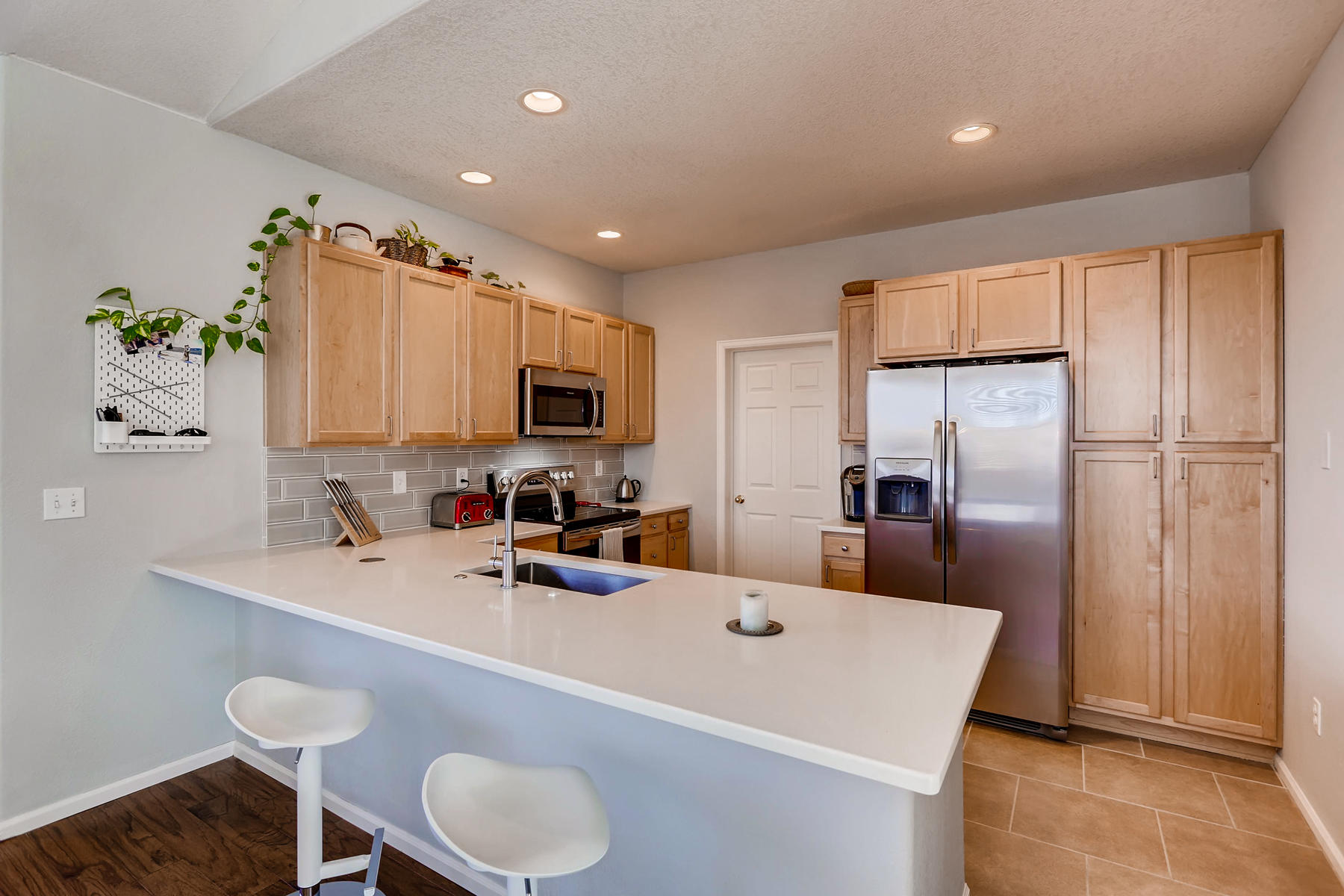 2142 S Fulton Cir 204 Denver-010-24-Breakfast Area-MLS_Size.jpg