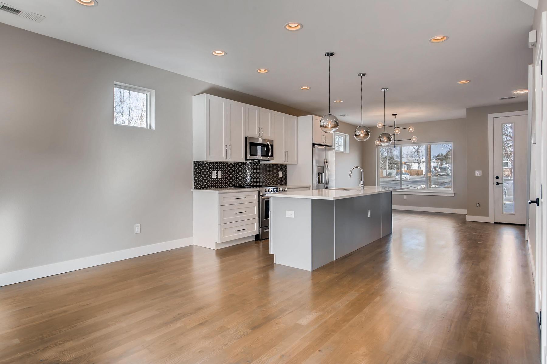 3101 S Cherokee St Englewood-006-6-Kitchen-MLS_Size.jpg