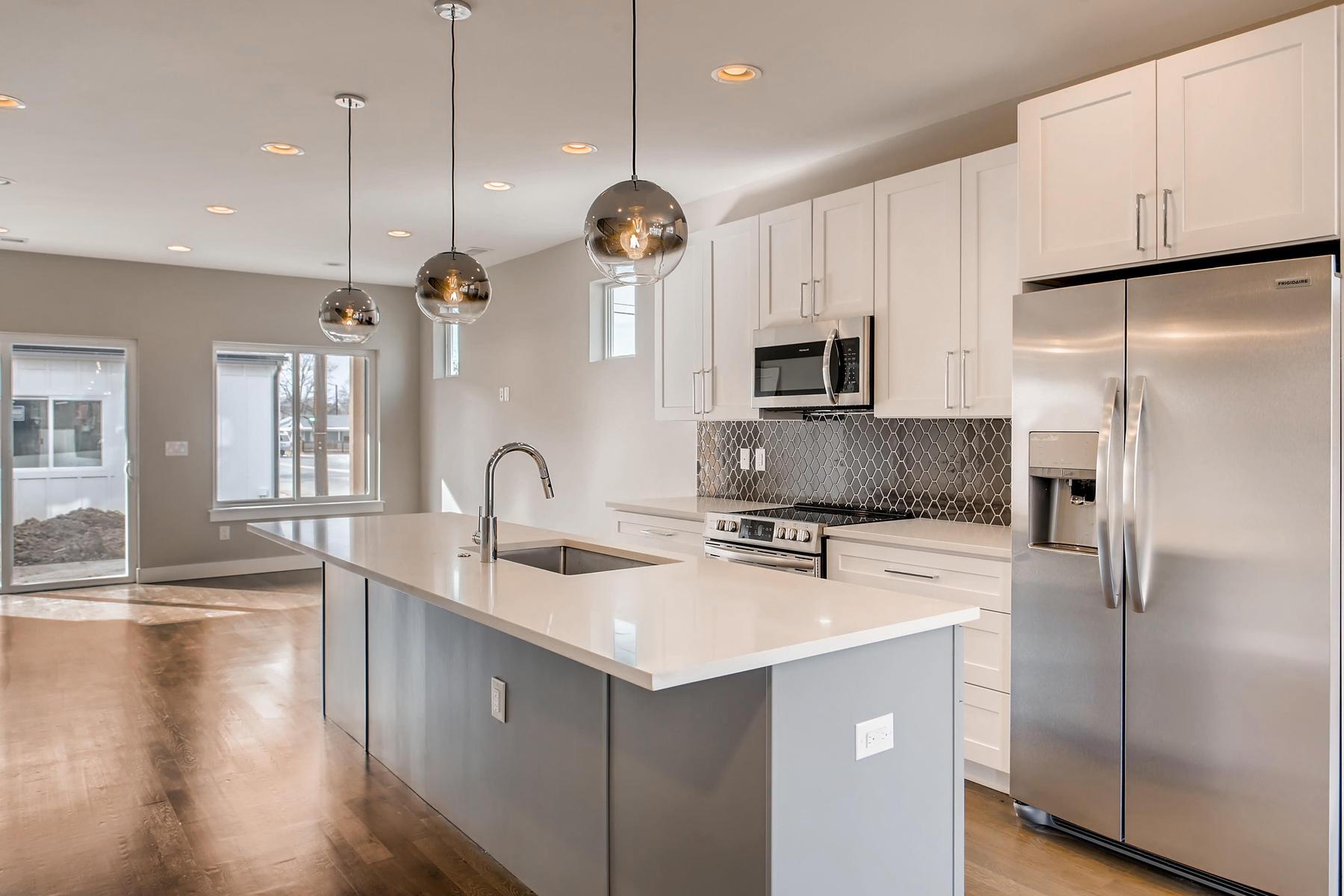3101 S Cherokee St Englewood-008-12-Kitchen-MLS_Size.jpg