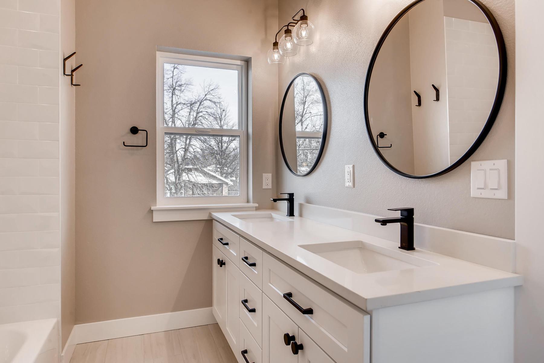 3101 S Cherokee St Englewood-018-18-2nd Floor Master Bathroom-MLS_Size.jpg