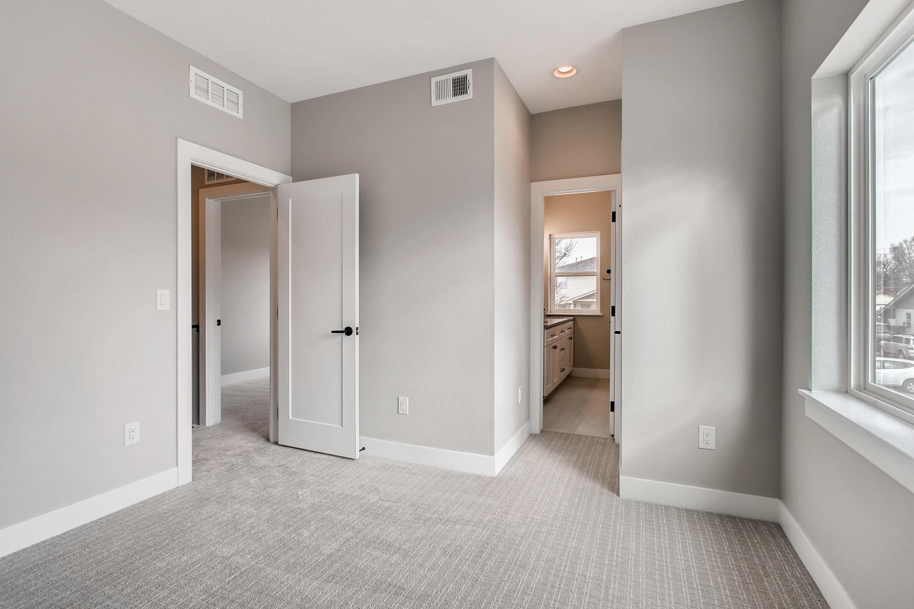 3101 S Cherokee St Englewood-021-21-2nd Floor Bedroom-MLS_Size.jpg