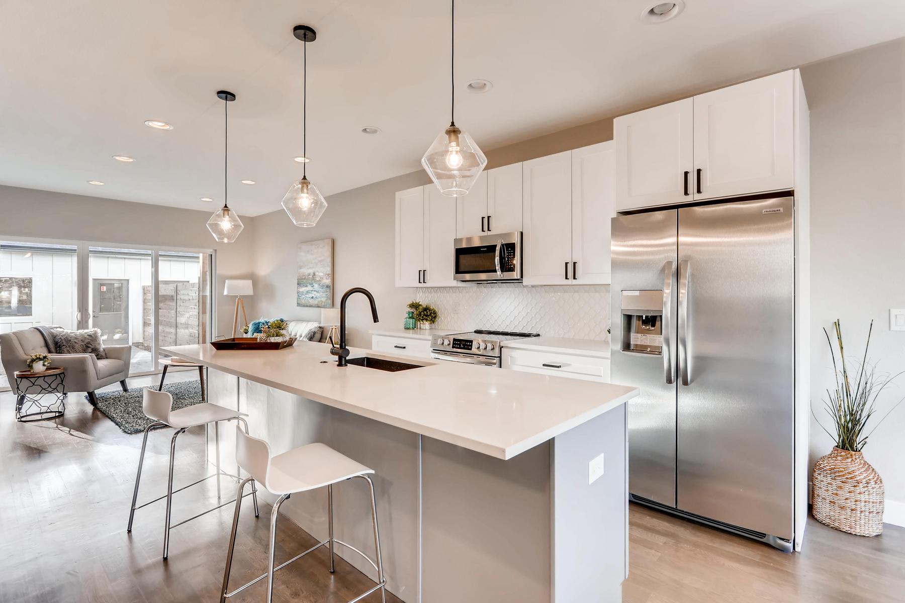3105 S Cherokee St Englewood-011-8-Kitchen-MLS_Size.jpg