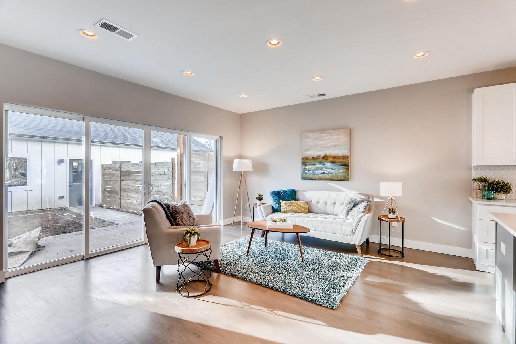 3105 S Cherokee St Englewood-006-15-Living Room-MLS_Size.jpg