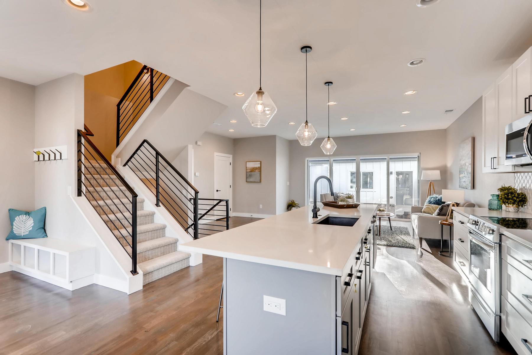3105 S Cherokee St Englewood-012-25-Kitchen-MLS_Size.jpg