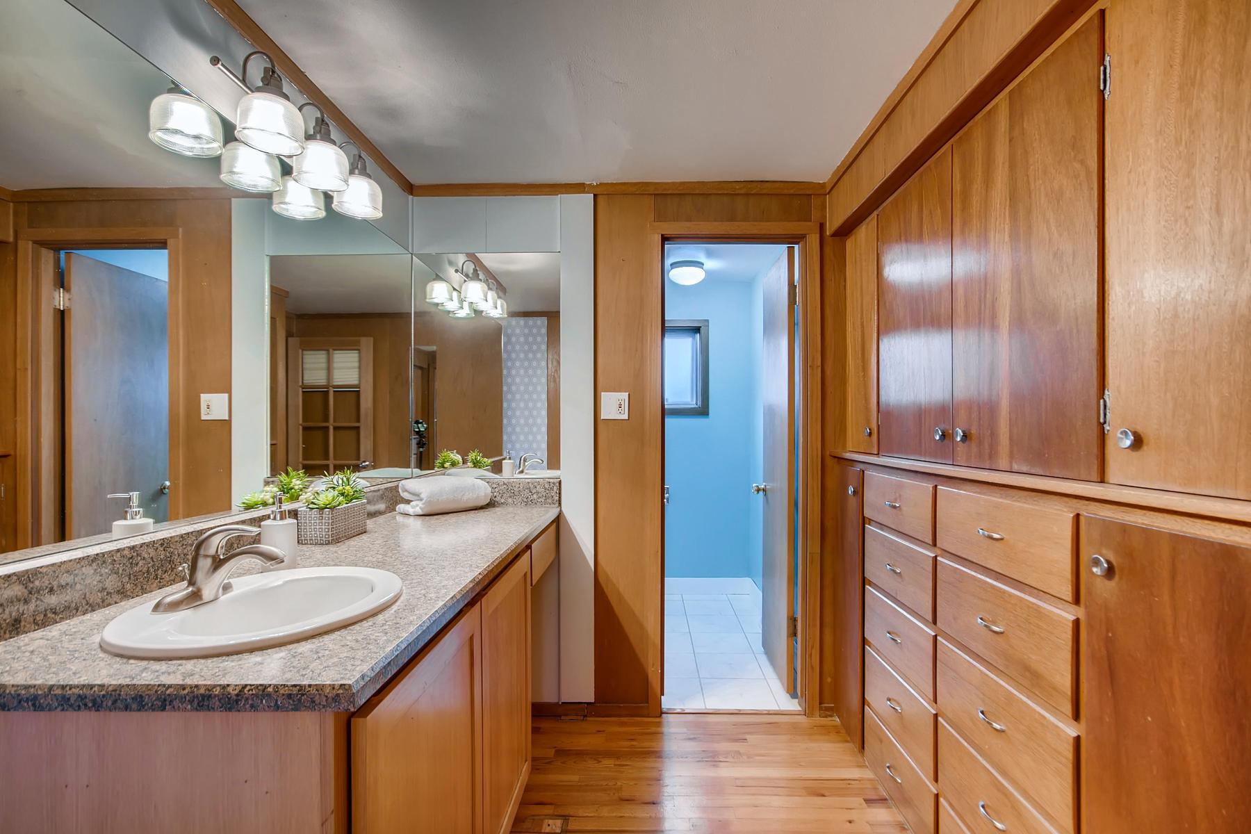 1835 S Jersey Way Denver CO-047-46-Master Bathroom-MLS_Size.jpg