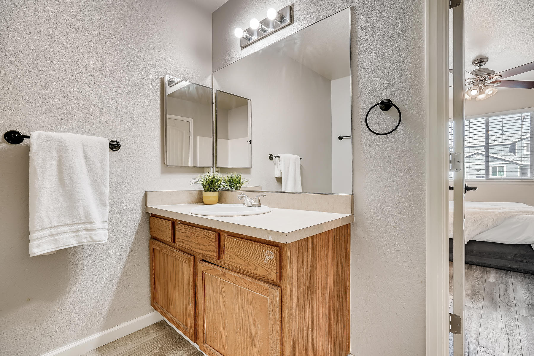 5405 S Elm Court Denver CO-018-027-Master Bathroom-MLS_Size.jpg