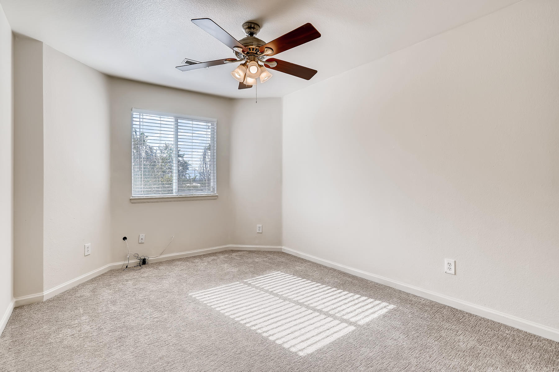 5405 S Elm Court Denver CO-019-013-2nd Floor Bedroom-MLS_Size.jpg